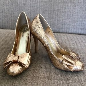 Cathy Jean Sparkly Gold Glitter High Heels with Bow  Size 7